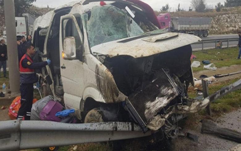 مقتل سوري وجرح آخرين إثر حادث سير في تركيا