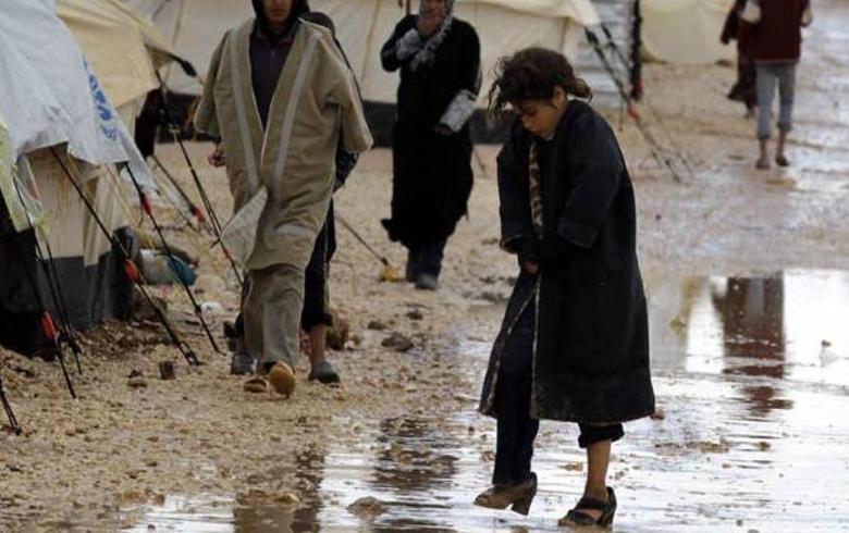 إخلاء عائلات سورية من مخيم الزعتري بسبب الأمطار