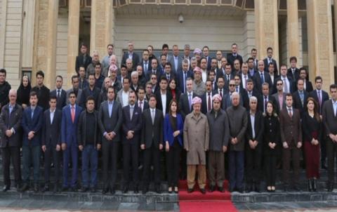 الرئيس بارزاني يشارك الجماهير الكوردستانية بالوقوف دقيقة صمت حداداً لذكرى مجزرة حلبجة