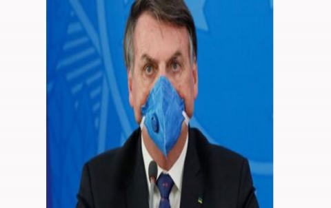 رئيس البرازيل يقول إن قيود كورونا تقتل الاقتصاد