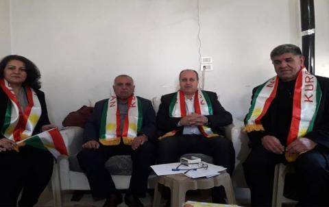رئيس مكتب شؤون المجالس يجتمع مع محليات الدائرة الغربية
