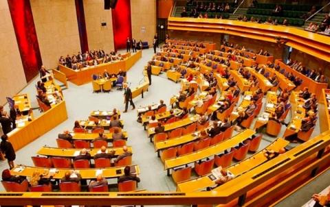 البرلمان الهولندي يناقش وضع اللاجئين ورفض لتصنيف سوريا على أنها آمنة لعودتهم