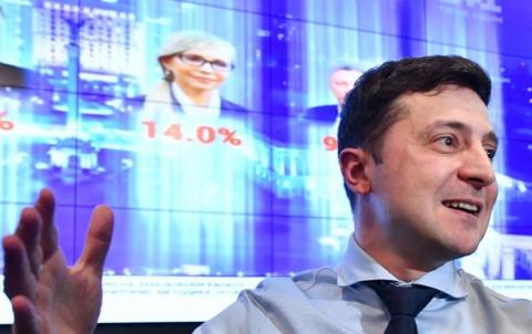 ممثل كوميدي يتصدر الانتخابات الأوكرانية