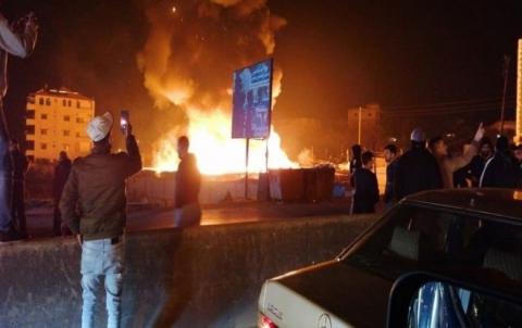 إحراق مخيم للاجئين السوريين في لبنان
