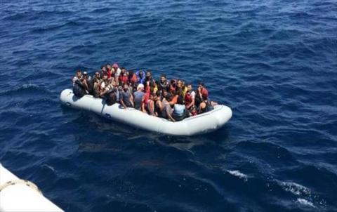 خفر السواحل التركیة تلقي القبض على 41 مهاجرا سوريا