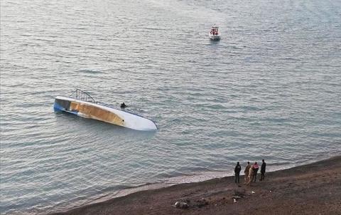 مصرع سبعة مهاجرين جراء غرق قارب في بحيرة