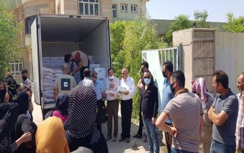 منظمة زاخو لـ PDK-S توزع سلات غذائية على لاجئي كوردستان سوريا