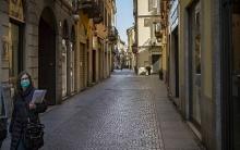 إيطاليا تغلق جميع المصانع باستثناء الضرورية للحياة بسبب تفشي